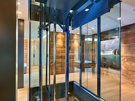 Hauslift individuell Glaslift nach Maß Einfamilienhaus